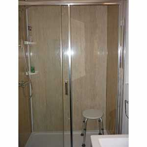 Large cubicle shower